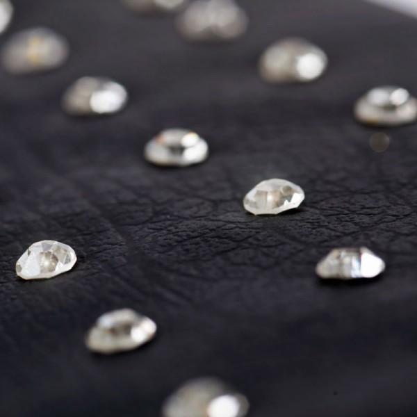 Glamtech-Black-Diamond-Pouch-Detail-600×600